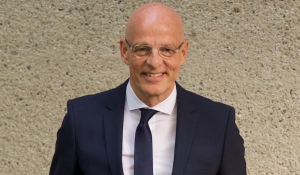 Dr. Ulrich Bauhofer: Füllen Sie Ihr Energiekonto!